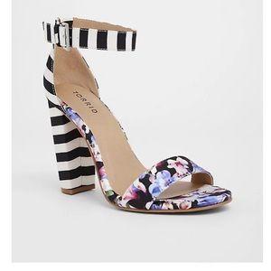 Torrid - Floral Chunky Heels NEW  - 9 Wide